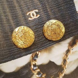 Chanel vintage clip on earrings